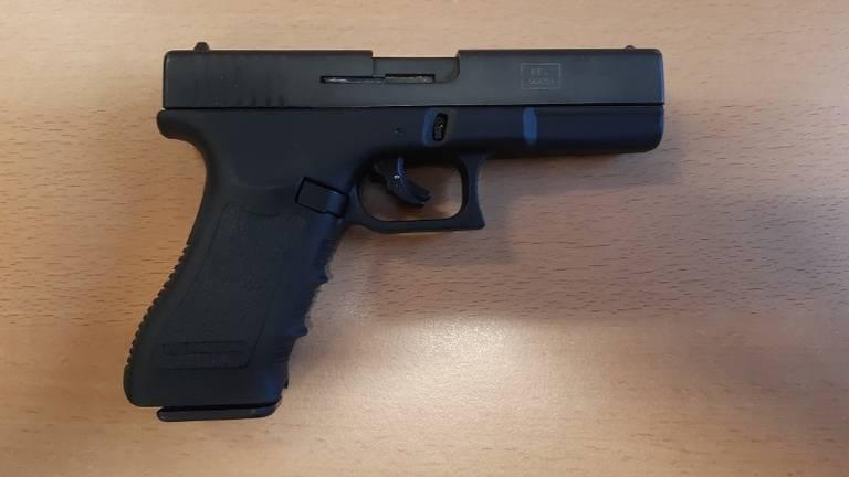 Er werd een alarmpistool gebruikt (foto: politie).