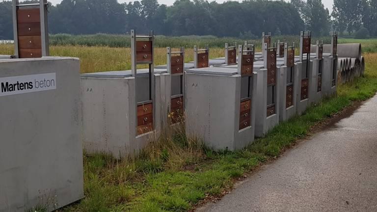 Extra stuwen worden ingezet als manier om water vast te houden (foto: Waterschap Aa en Maas).