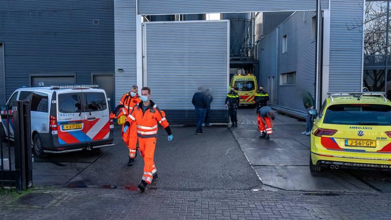 Er kwamen veel hulpdiensten naar het bedrijf (foto: SQ Vision Mediaprodukties).