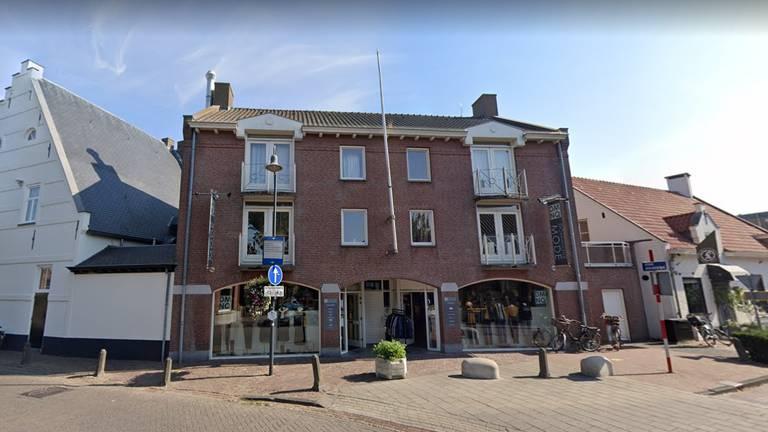 De winkel aan de Nederlandse kant (foto: Google Streetview).