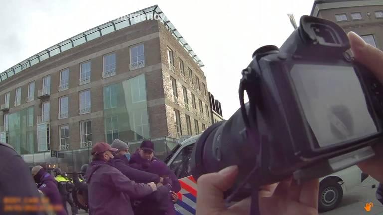 Beelden van de bodycam.