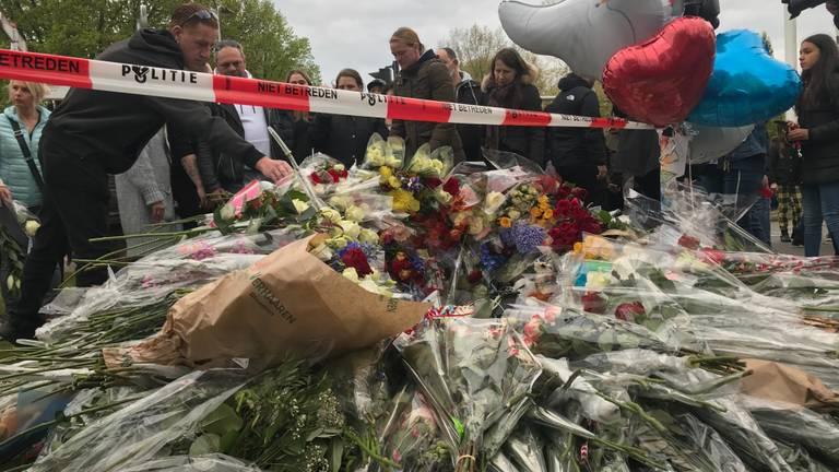 Héél veel bloemen voor Jayden (foto: Omroep Brabant).