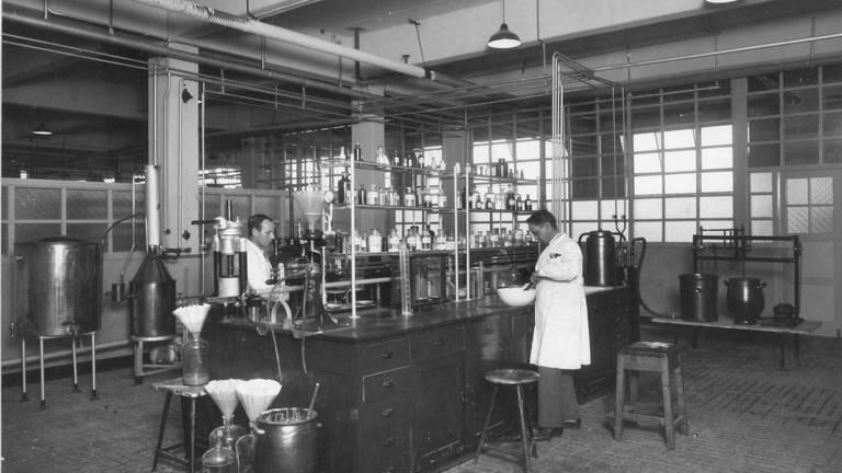Het insulinelab in 1930. (foto: Organon).