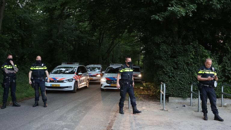 De politie was donderdagavond op de been bij de Oosterplas (foto: SQ Vision).