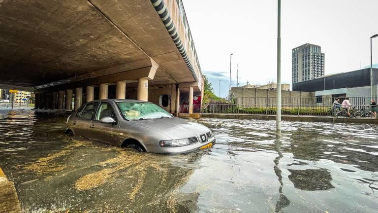 Noodweer in Eindhoven (foto: Sem van Rijssel/SQ Vision).