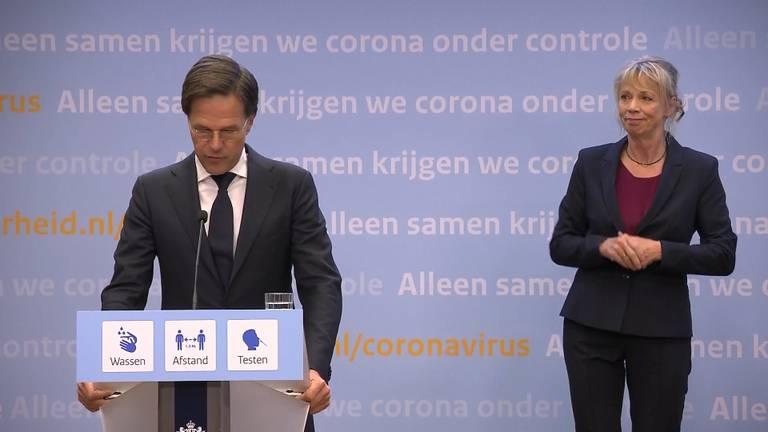 Premier Rutte tijdens de persconferentie