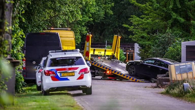 De politie nam een auto in beslag (foto: SQ Vision).