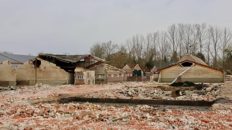 Een groot deel van de stallen is gesloopt (foto: Lobke Kapteijns).
