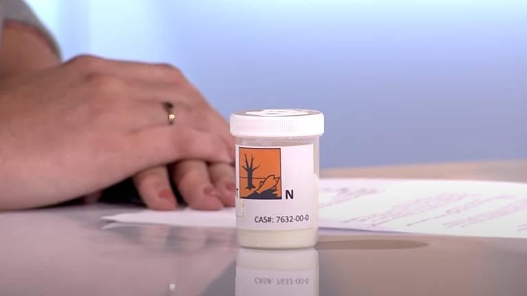 In 2018 kocht Omroep Brabant dit potje met zelfmoordpoeder.
