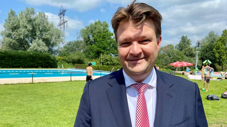 Burgemeester Han van Midden van Roosendaal.