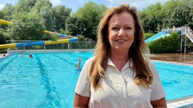 Amy van Bemmel, directeur van het zwembad.