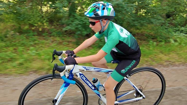 Mats is al wekenlang in training om de tocht naar Almere straks succesvol af te leggen.