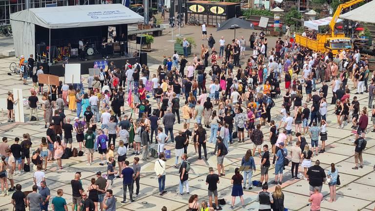 Protest op het Ketelhuisplein in Eindhoven (foto: Noël van Hooft).