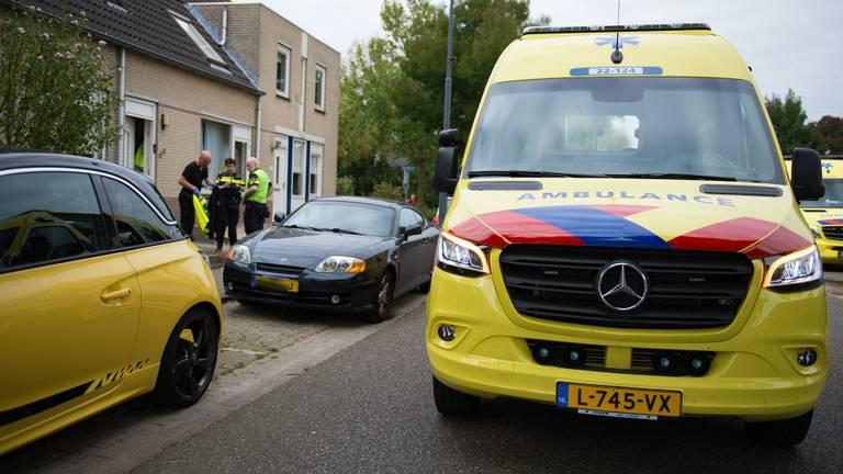 Het ongeluk gebeurde vlak voor het huis van de man (foto: Walter van Bussel/SQ Vision).