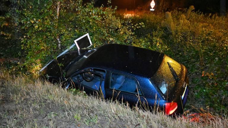 De wagen die van de weg raakte (foto: Toby de Kort/SQ Vision Mediaprodukties).