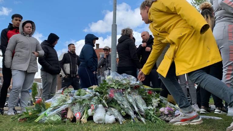 300 mensen bijeen voor overleden Jayden (12): 'Hij had het zo gewild'