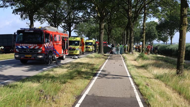 Man overlijdt nadat auto in water belandt in Odiliapeel