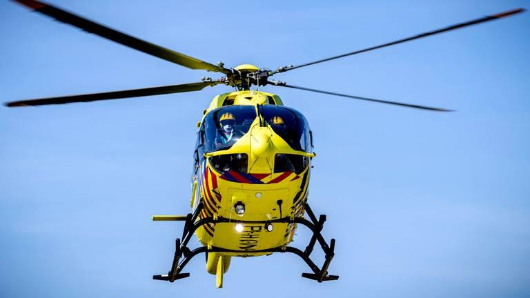 Een traumahelikopter landde ter ondersteuning op de vliegbasis (archieffoto: ANP / Sem van der Wal).
