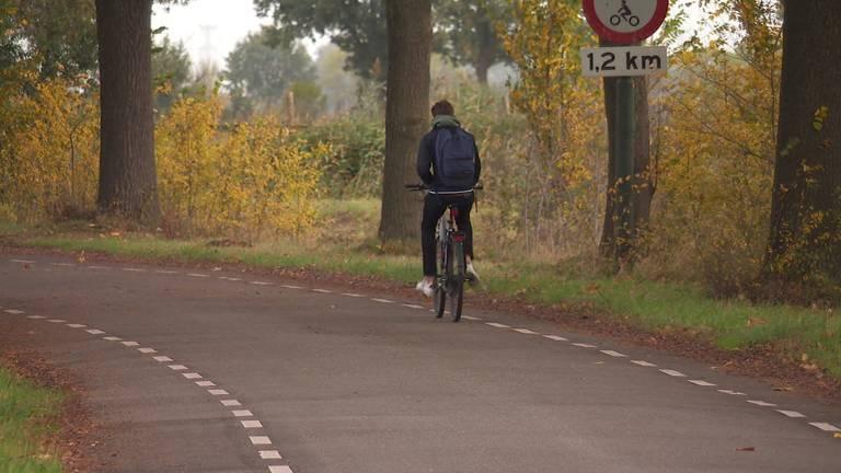 Niet alle Brabantse fietspaden zijn goed verlicht. (Foto: Omroep Brabant)