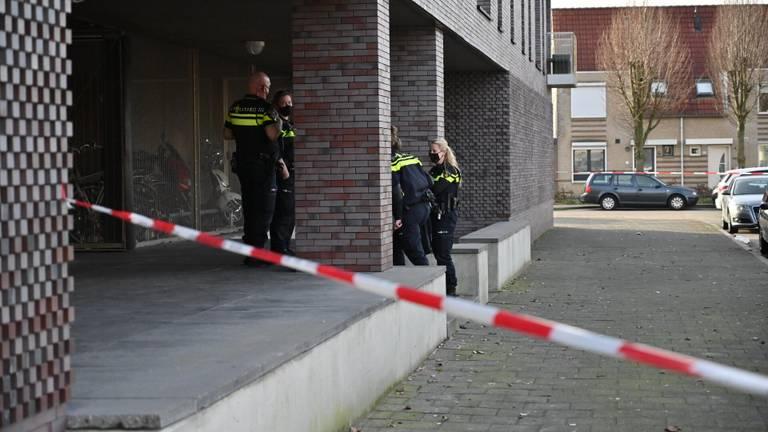 De politie doet onderzoek (foto: Tom van der Put/SQ Vision).