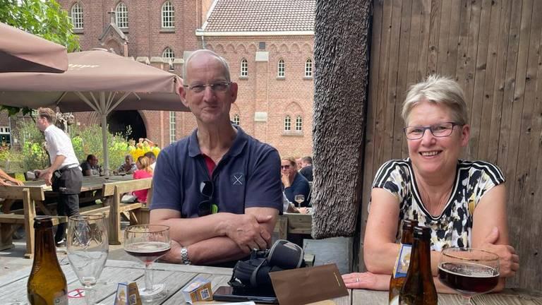 Theo en Elly Sleddens aan hun hun eerste 0.0 Trappist.