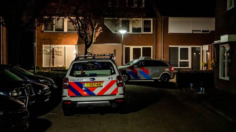 De taxichauffeur reed na de beschieting naar Oisterwijk waar de politie werd gewaarschuwd (foto: Jack Brekelmans).