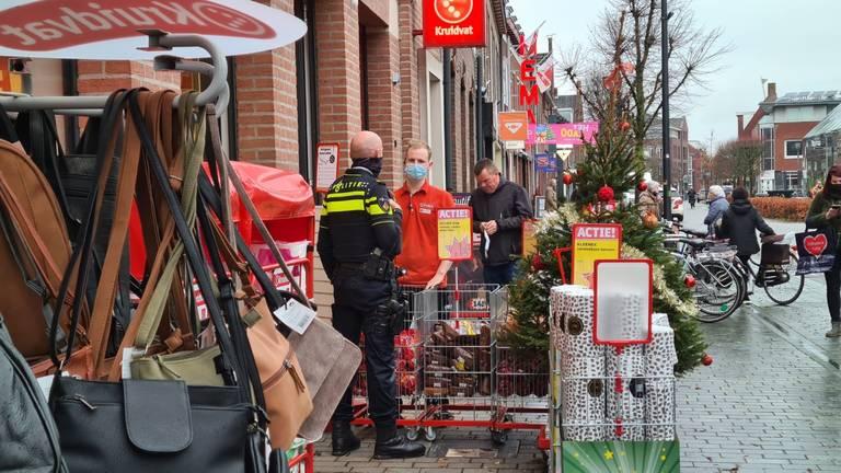 De Kruidvat mag wel alles verkopen tijdens de lockdown (foto: Noël van Hooft)