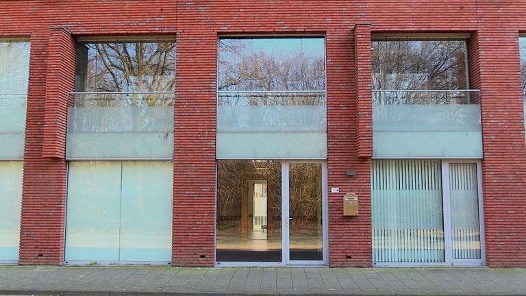 De beoogde daklozenopvang aan de Ringbaan West in Tilburg (foto: Omroep Brabant)