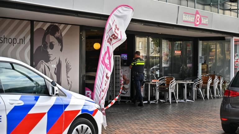 De politie doet onderzoek. (Foto: Tom van der Put / SQ Vision)
