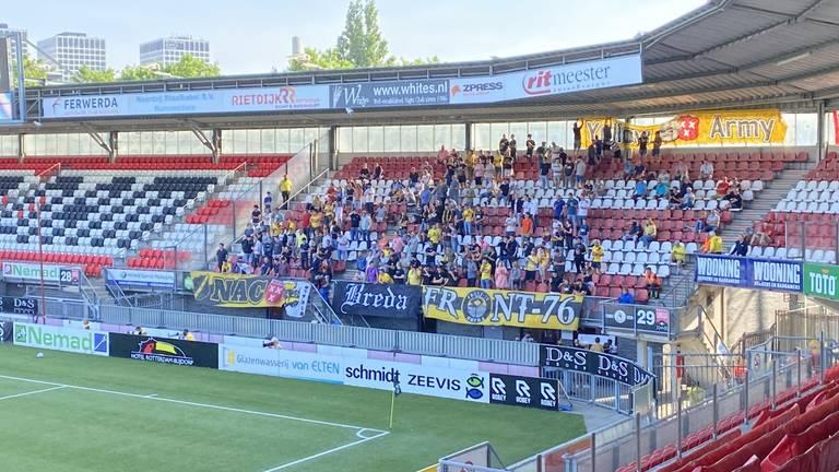 NAC-supporters in het uitvak bij Sparta.