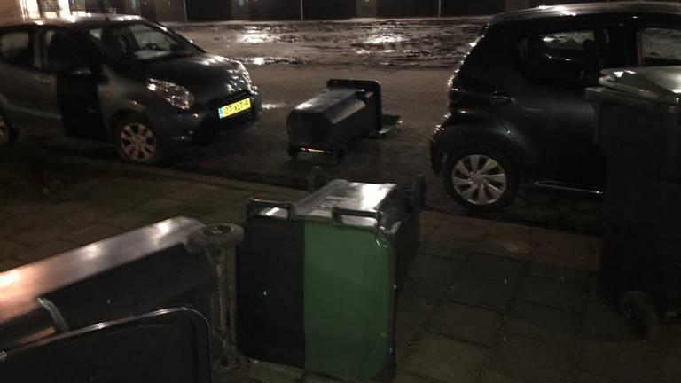 Afvalbakken waren evenmin veilig in Tilburg.