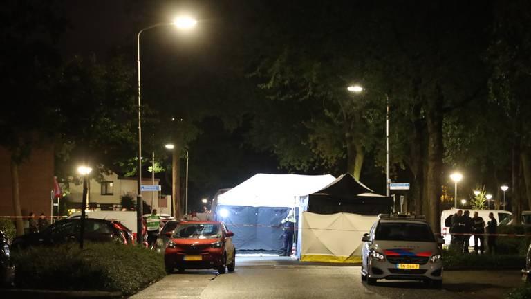 De politie doet onderzoek in Uden (foto: Marco van den Broek/SQ Vision).