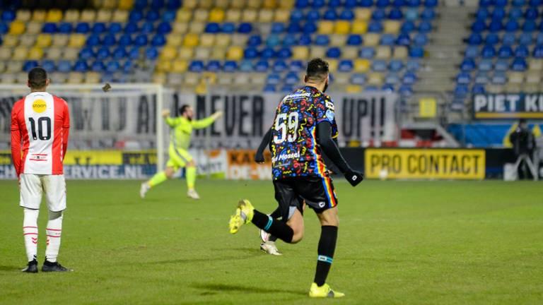 Ontlading bij Ahmed Touba na zijn goal tegen FC Emmen