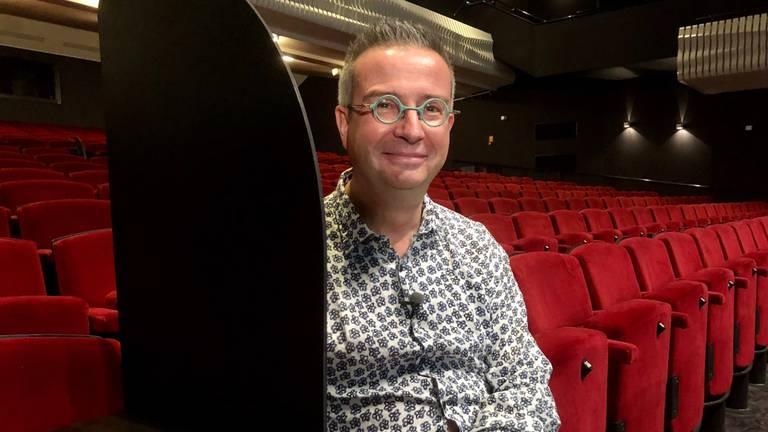 Jan-Hein Sloesen van theater De Kring heeft hoge verwachtingen van kuchschermen (foto: Erik Peeters)