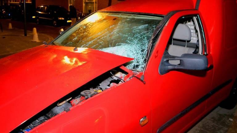 Ook een andere auto raakte zwaar beschadigd (foto: Bart Meesters/SQ Vision)