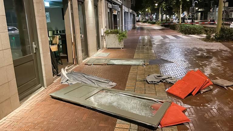 De klap na de explosie, maandagnacht, was groot (foto: Harrie Grijseels/SQ Vision Mediaprodukties).