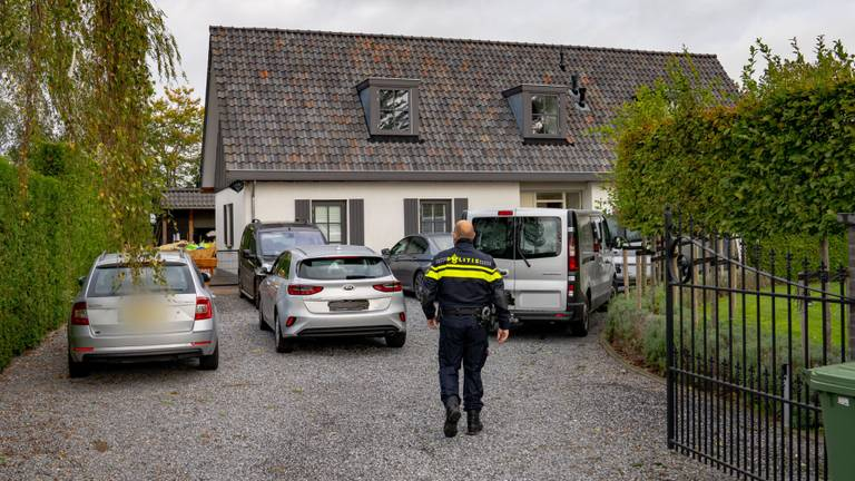 Een inval aan de Binnen in Dussen (foto: Iwan van Dun/SQ Vision Mediaprodukties).