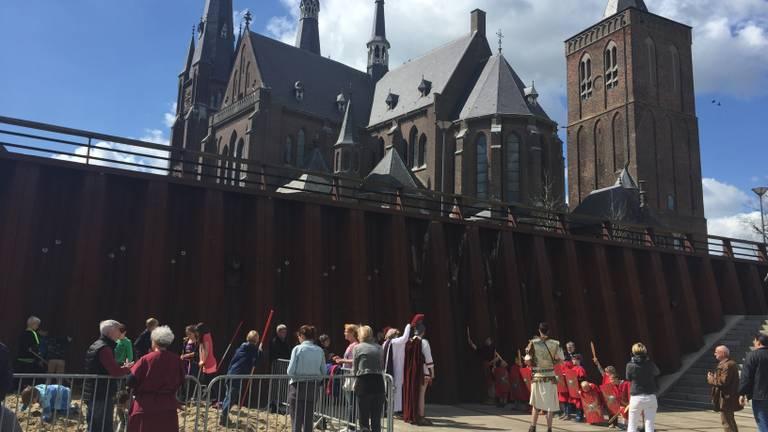 Oud en nieuw ontmoeten elkaar aan de Maas in Cuijk (foto: gemeente Cuijk).