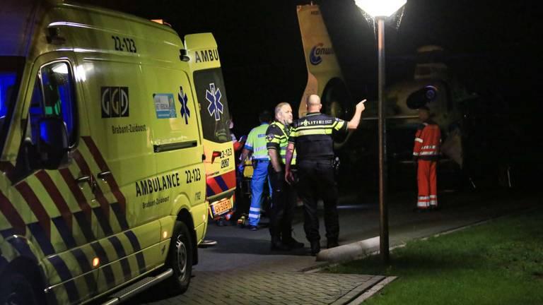 Vanwege het ernstige ongeluk in Deurne werden meerdere hulpdiensten opgeroepen, ook een traumaheli (foto: Harrie Grijseels/SQ Vision).