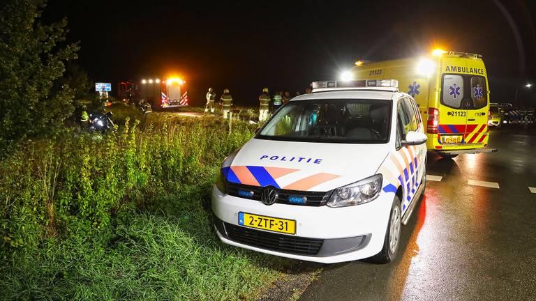 Het ongeluk gebeurde bij de kruising van de Hoogstraat met de Vlamen in Deursen-Dennenburg (foto: Gabor Heeres/SQ Vision).