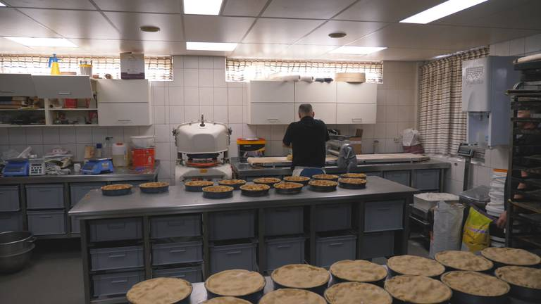Bij bakker Lambér kon het werk gewoon doorgaan
