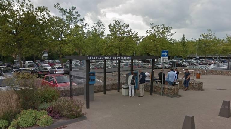 Rens vond de ring bij de parkeerautomaat van het Catharina Ziekenhuis.