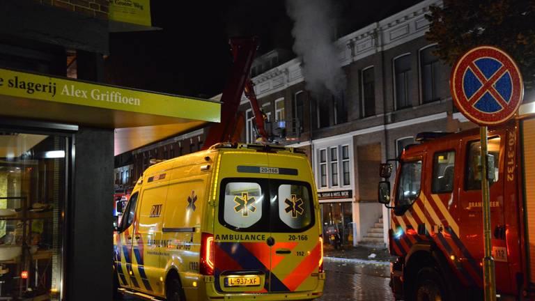 Behalve de brandweer meldde zich ook een ambulance (foto: Perry Roovers/SQ Vision Mediaprodukties).