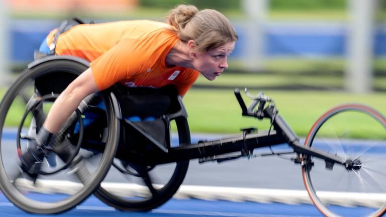 Amy Siemons in training voor de paralympische spelen