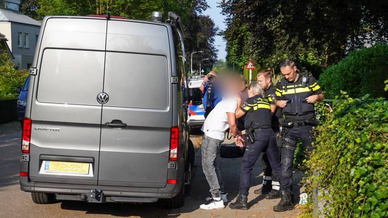 De arrestatie van een van de verdachten (foto: Iwan van Dun/SQ Vision)