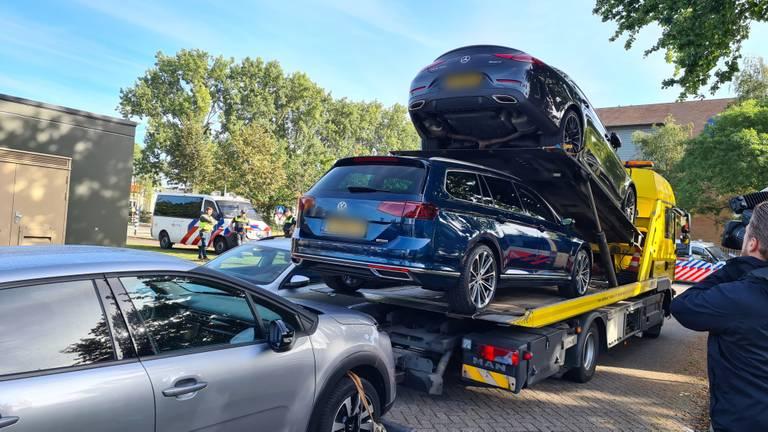 Auto's ter waarde van ruim een ton (foto: Noël van Hooft)