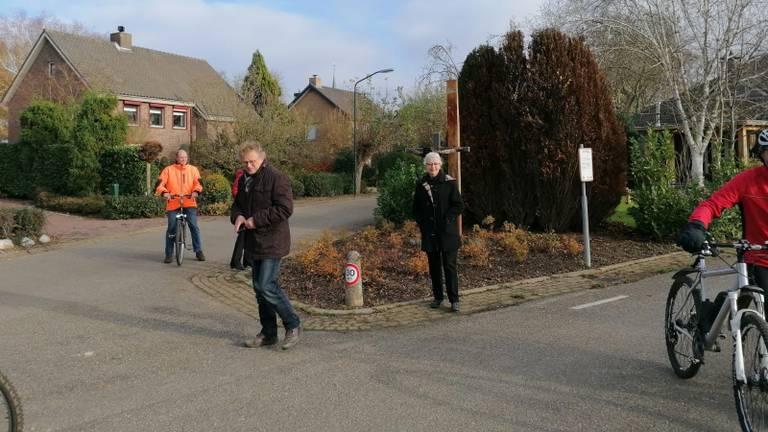 Inwoners zijn blij met de actie van Jeroen Woe en Niels van der Laan (foto: Ista van Galen).