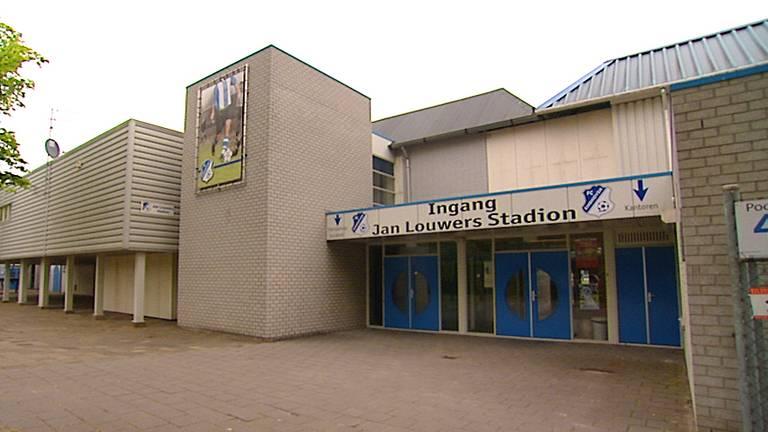 Het Jan Louwers Stadion: verboden gebied voor fans.