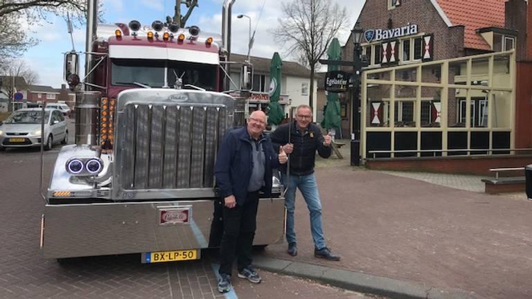Henk (links) komt Peter verrassen (eigen foto).