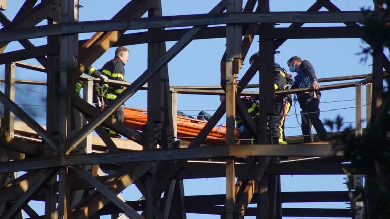 De medewerkster werd op achttien meter hoogte onwel (foto: Erik Haverhals/FPMB).